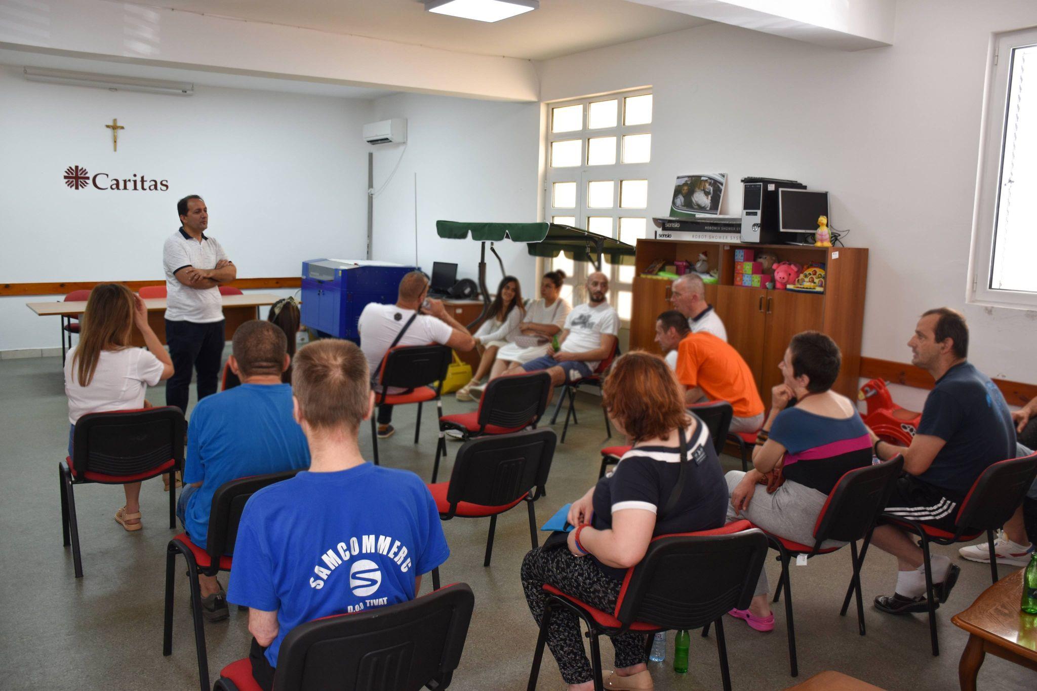 Štićenici Specijalne bolnice za Psihijatriju u posjeti Caritasu